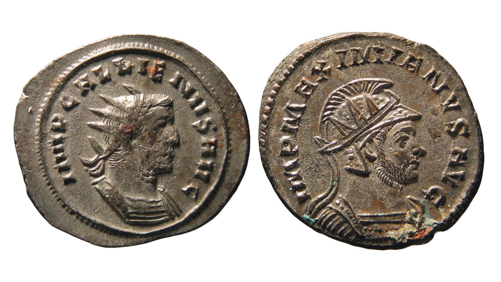 Die älteste Münze im Hort ist ein Antoninian des Valerianus I. (253–260) aus dem Jahr 254, geprägt in Antiochia (Katalog Nr. 4). Die jüngsten Münzen im Hort sind mehrere Antoniniane der beiden Kaiser Diocletianus (284–305) und Maximinianus Herculius (286–305), die zwischen dem 1. März und dem 20. November 293 in Lugdunum geprägt wurden (Katalog Nr. 2167–2172)