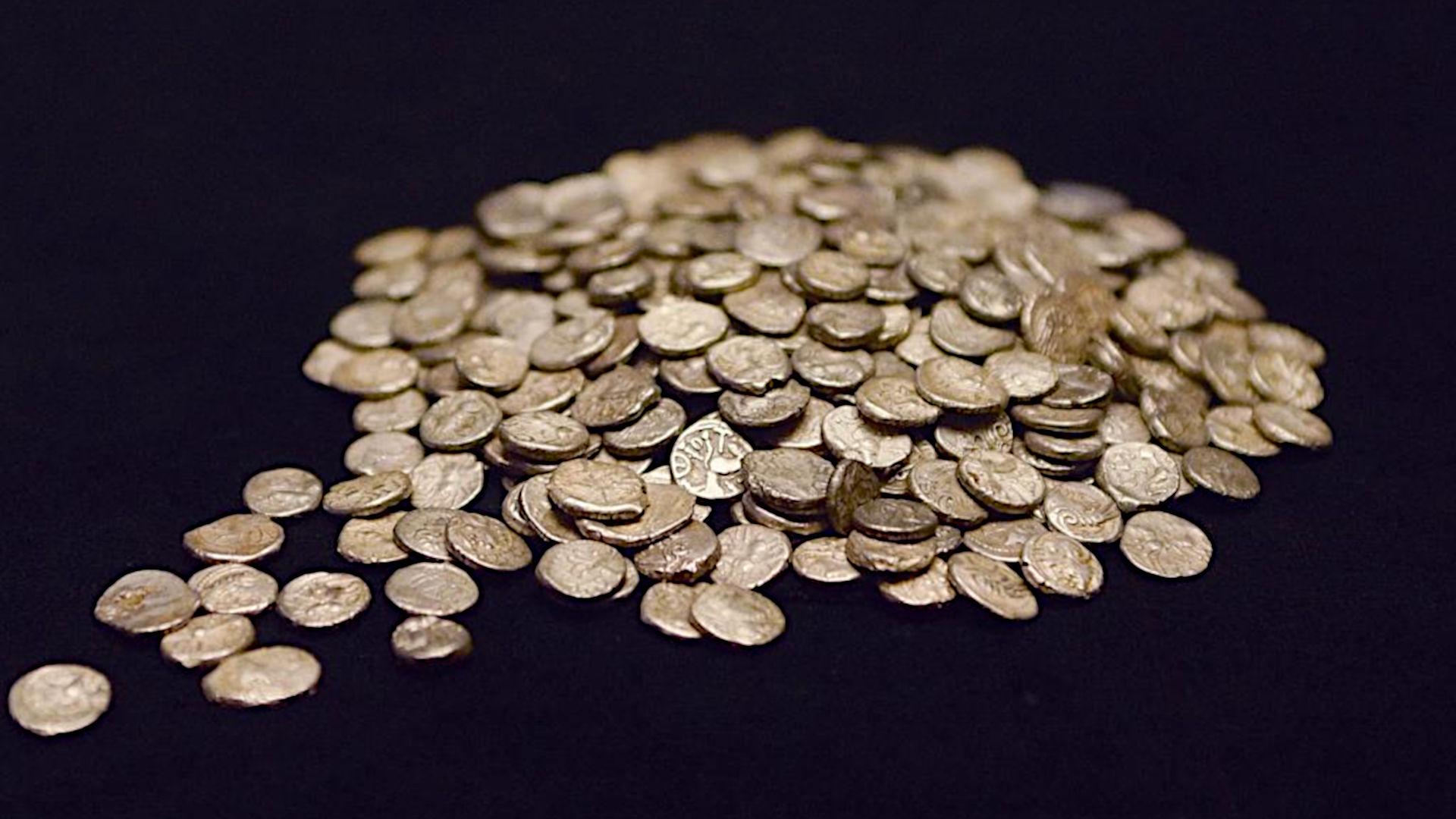 Füllinsdorf, Büechlihau, 355 keltische Silbermünzen