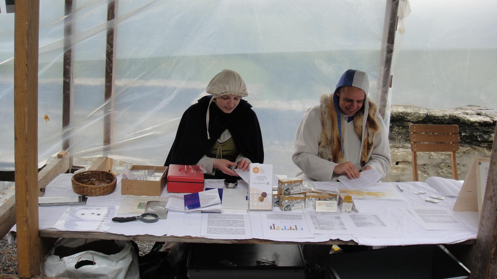 Der Stand des IFS am Mittelalterfest 2011 auf der Lenzburg