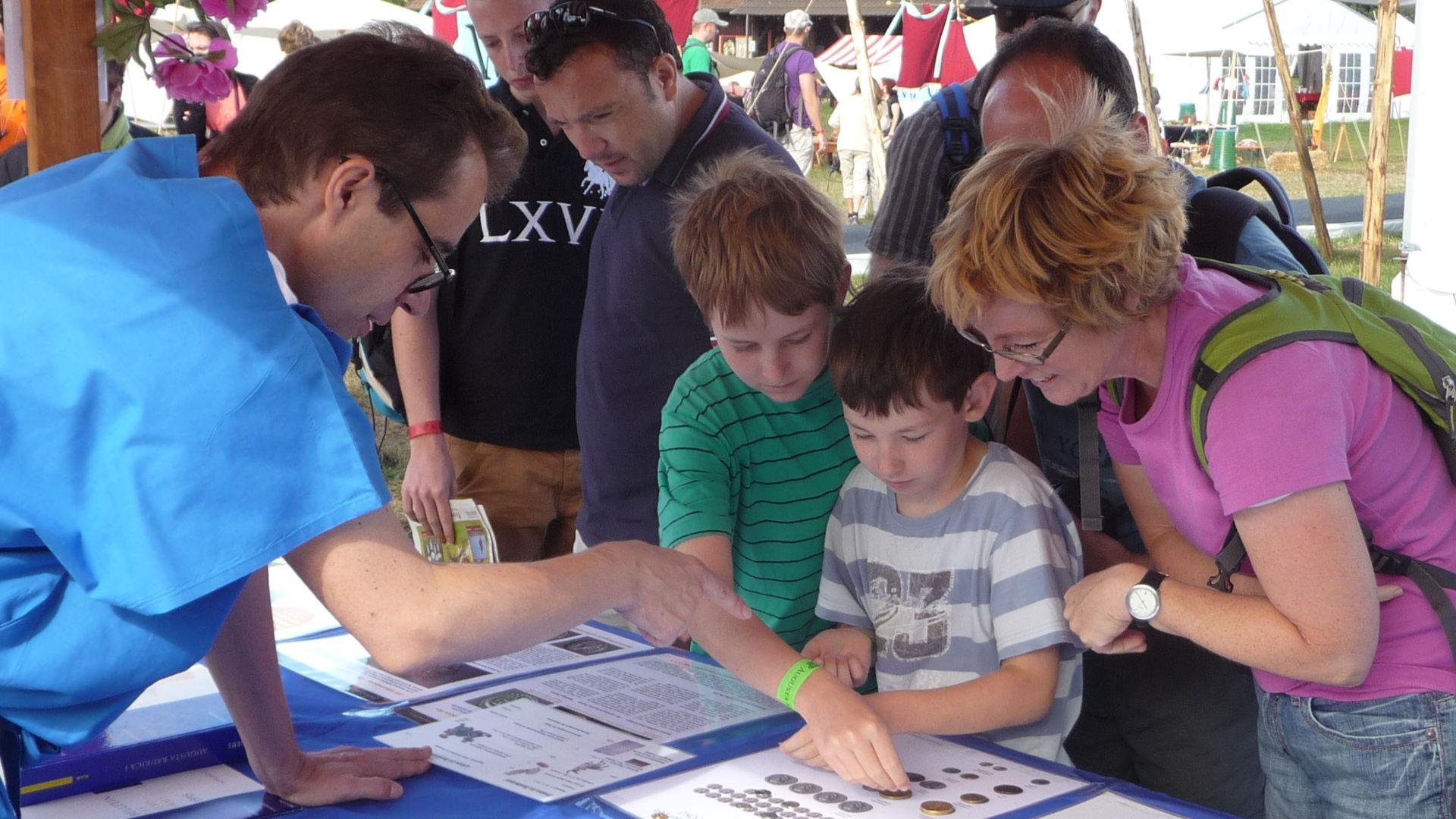 Der Stand des IFS am Römerfest 2012 in Augst